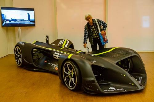 nyitas elott belogtunk mercedes rollsroyce peugeot F1 AutoMotorTv 01