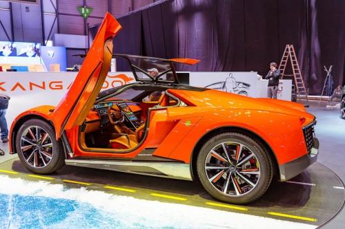 nyitas elott belogtunk mercedes rollsroyce peugeot F1 AutoMotorTv 13