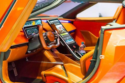 nyitas elott belogtunk mercedes rollsroyce peugeot F1 AutoMotorTv 14