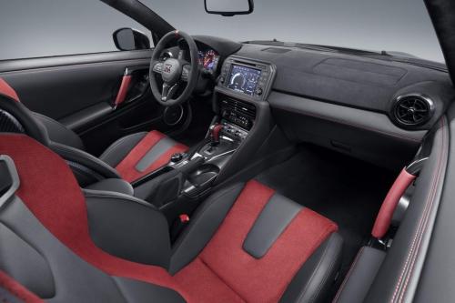 2020 GT-R NISMO AutoMotorTv